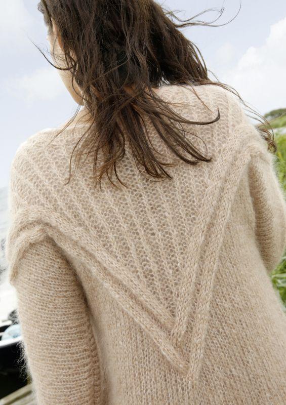 Pullover stricken: Pullover mit V-Einsatz