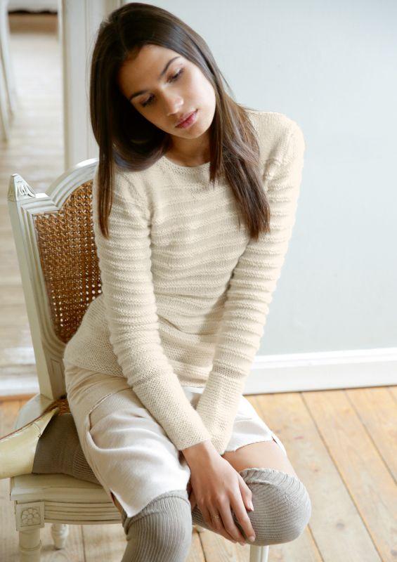 Strickmode in Naturweiß: Pullover mit krausen Streifen Strickset