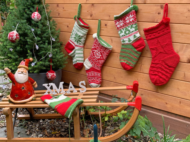 Weihnachten-im-Strumpf-Schlitten-draussen3-732x549