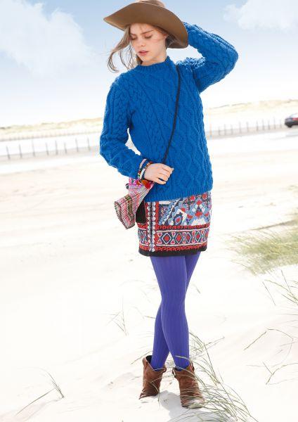 Pullover mit Zöpfen und Rhomben