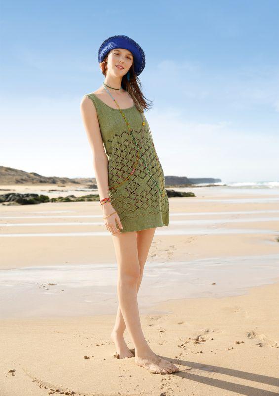 Farbenfroh: Minikleid mit Lochmuster