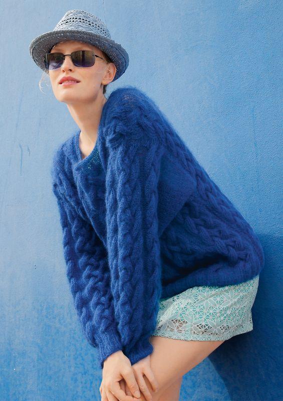 Pullover mit Zöpfen in Royalblau