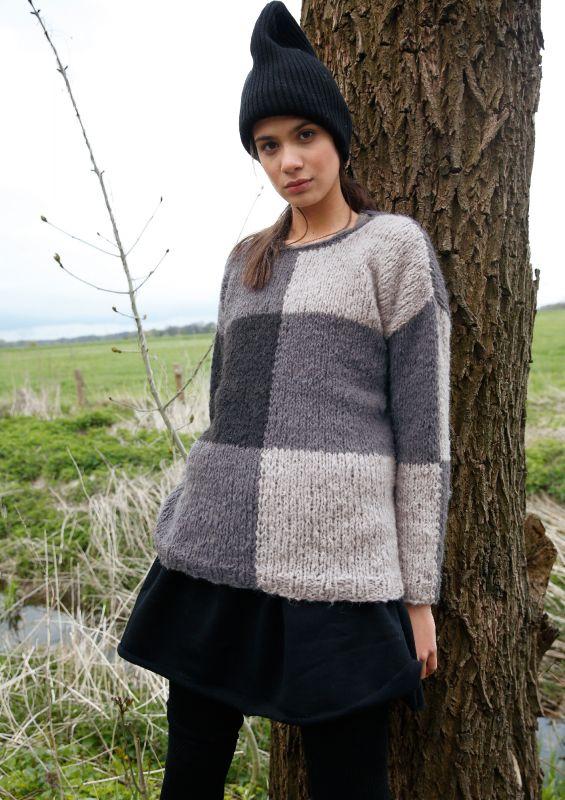 Strickmode in Trendfarbe Grau: Pullover stricken