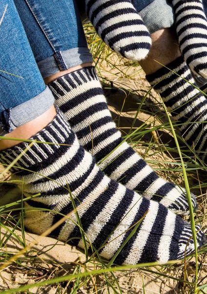 Anleitung Maritim-geringelte Socken für Damen