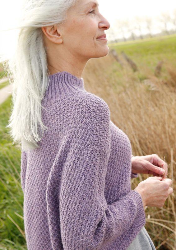 Kurzer Pullover Violett stricken