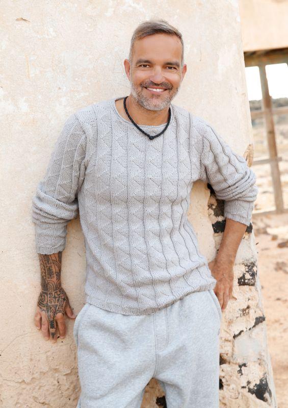 Männer-Strickmode: Herrenpullover mit Strukturmuster