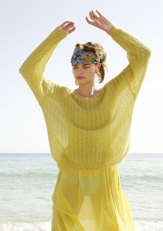 Farbenfroh: Pullover mit Strukturmuster