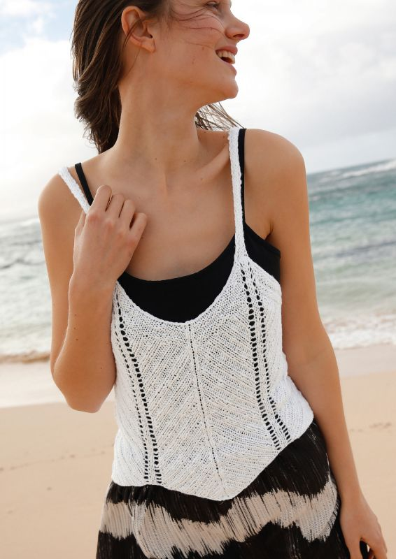 Top mit Zackenmuster stricken Black & White