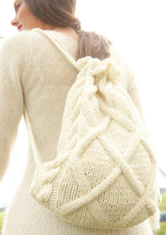 Strickmode in Naturweiß: Rucksack stricken Strickset