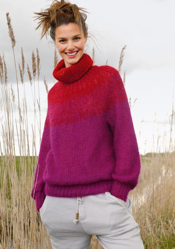 Raffinierte Mode in angesagten Rottönnen: Strickpullover mit Rundpasse