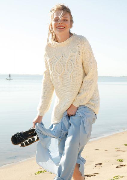 Pullover mit Zopf-Rundpasse