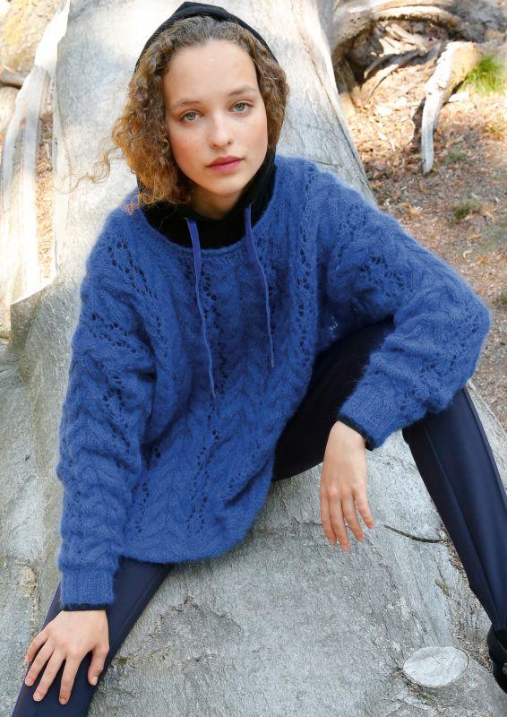 Weiter Mohair Pullover stricken in Royalblau