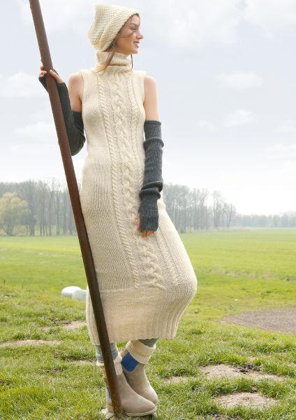 Langes Kleid mit Zöpfen