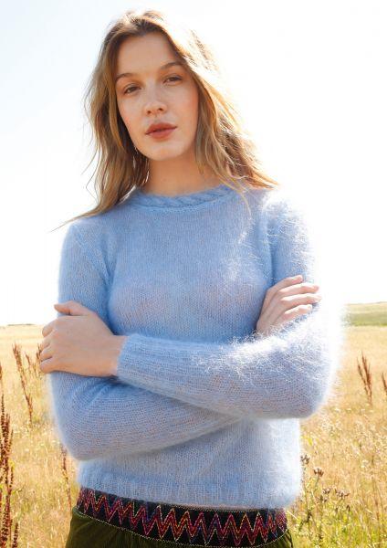 Zarter Pullover mit Zopfblende